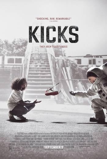 Kicks [Latino]